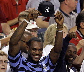 lebron-james-yankees-hat.jpg